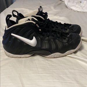 Nike Foamposite 10.5